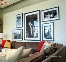 How To Hang A Picture How To Hang A Trio Of Photos Above A Sofa Utr Déco Blog