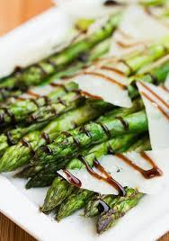 cuisiner asperges vertes fraiches 25 recettes à base d asperges vertes ou blanches femina