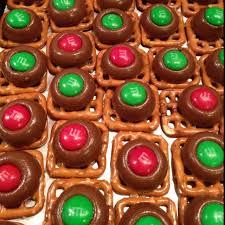 reindeers an pretzles reindeer noses pretzels melt hershey