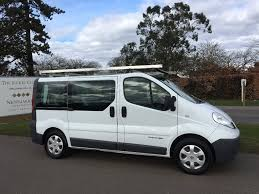 renault trafic 9 passenger van renault trafic 2 0 dci ll29 sport phase 3 4dr nav 9 seats for