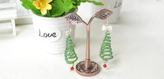 how to make wire christmas tree earrings with seed beads