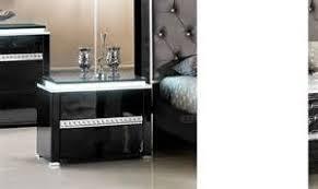 chambre laque noir chambre adulte couleur taupe 13 table de chevet design laque
