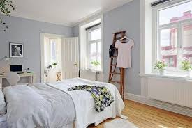 soft grey wall paint color and bamboo floor for nice bedroom ideas