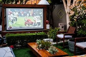 Backyard Outdoor Theater by Bring More Entertainment To Your Backyard By Building An Outdoor