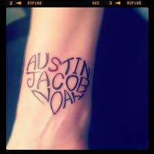 names wrist design in a shape by jeannine tatoos