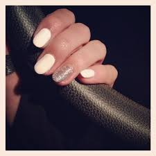 round nails white with silver sparkle accent nail nail u0027d it