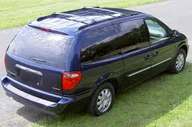 chrysler town country review chrysler town and country minivan