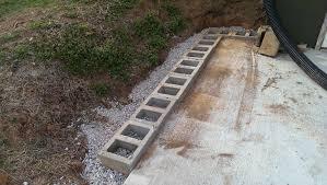 cinder block retaining wall diy cinder block retaining wall