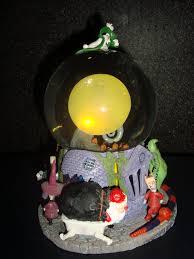 halloween snow globe disney pixar fanatics nightmare before christmas snowglobes