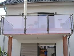 balkon sichtschutz aus glas mit sichtschutz und windschutz