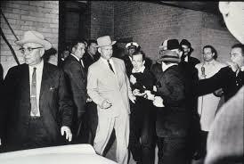 Oswald Backyard Photos Lee Harvey Oswald Shot Iconic Photos