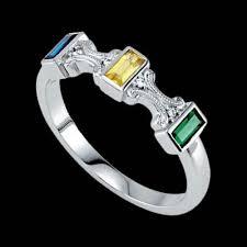 design a mothers ring ring in baguette design