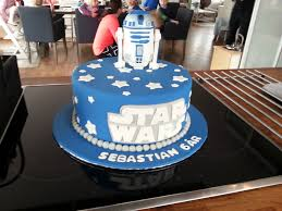 wars edible image wars cake the r2 d2 is edible 134646284 added by gamerjn