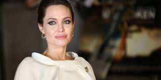 cancer experts weigh in on angelina jolie u0027s decision to remove her
