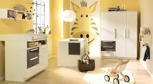 Schlafzimmer Mit Metallbett Ideen Baby Und Kinderzimmer Wandfarbe Haus Design Ideen