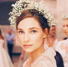 traditional bridal hairstyle baby u0027s breath to fringed florals 8 prettiest bridal hairstyles