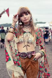 festival hair and boho looks to feel the vibes hairstyles our roam free handmade earrings splendour in the grass 2015