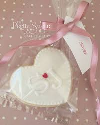 25 cupcake wedding favors ideas best 25 wedding favour cookies ideas on wedding