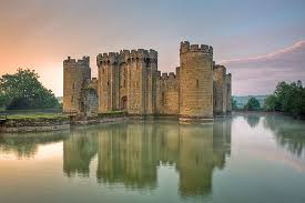Historical Castles | the medieval castle four different types history