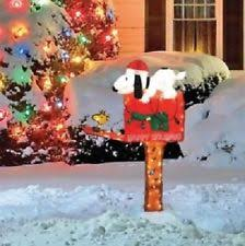 Snoopy Christmas Decor by Peanuts 45in 3d Lighted Animated Snoopy On A Mailbox Christmas