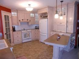 cuisine merisier armoire de cuisine classique en merisier peint et glazé cuisine