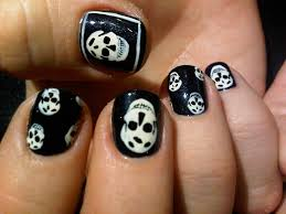 20 skull nail ideas