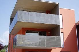balkon lochblech balkongeländer schlosserei und metalltechnik gmeiner in bludenz