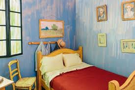 vincent gogh la chambre airbnb recrée irl la chambre à coucher du tableau de gogh