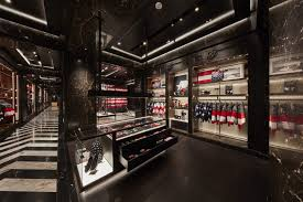 Flag Store Online Moncler Opens American Flagship Store In New York City Senatus