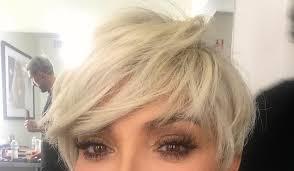 back of chris jenner s hair kris jenner goes platinum blonde again see the pic extratv com