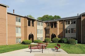2 Bedroom Apartments For Rent In Maryland Bonnie Ridge Apartments Rentals Baltimore Md Apartments Com