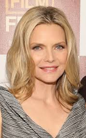 haircuts that make women ober 50 look younger hairstyles that make you look 10 years younger michelle pfeiffer