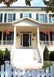 How To Decorate A House For Halloween by Remodelando La Casa Fall Halloween Porches