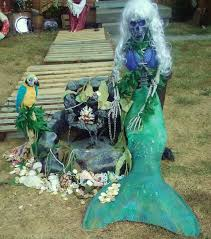 Halloween Skeleton Yard Decorations by Love The Skeleton Mermaid U003e U003e This Would Be Great If We Had A Pond