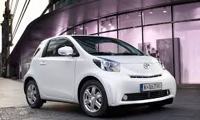 toyota iq toyota iq and avensis achieve top euro ncap safety rating