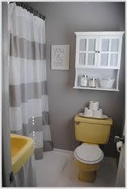 yellow tile bathroom ideas yellow tile bathroom decorating ideas tiles home design ideas
