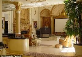 shahrukh khan home interior 8 amazing photos showing inside view of shahrukh khans house mannat