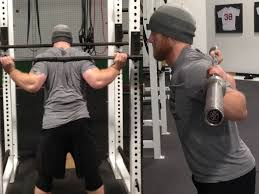 My Shoulder Hurts When I Bench Press 6 Ways To Reduce Shoulder Pain During Squats Bonvec Strength