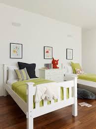 chambre lit jumeaux partager une chambre d enfant les lits jumeaux