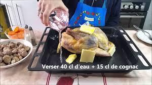 cuisiner une pintade au four recette pintade au four aux marrons et pruneaux