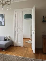 Schlafzimmer Holzboden Berliner Altbau Flair In Wunderschöner Altbauwohnung Nahe