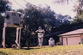 Halloween Yard Decorations Decorate Your Front Yard With A Star Wars Theme Geeky Halloween
