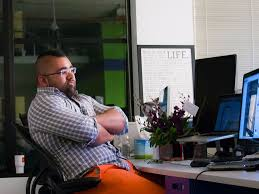 Kid At Desk by 5 Signs You U0027re Stuck In A Toxic Workplace Business Insider