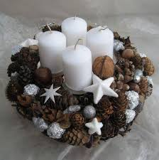 50 dazzling christmas candle decorations you must check out