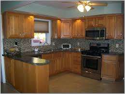 kitchen color ideas with maple cabinets kitchen paint colors with maple cabinets design 18