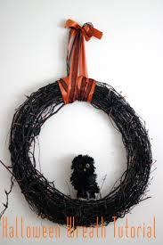 Halloween Wreath Tutorial by Vivian Eileen Halloween Wreath Tutorial