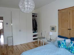 chambre avec placard cuisine placard chambre coucher ikea chaios placard chambre à
