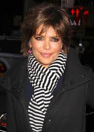 what is the texture of rinnas hair lisa rinna wears cute cut subtly styled for today show