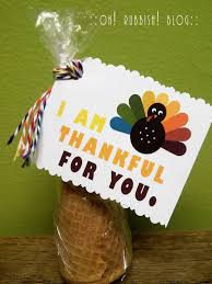 easy thanksgiving treat favors diy edible cornucopia with