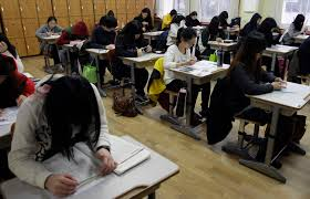 with jobs scarce south korean students linger on campus
